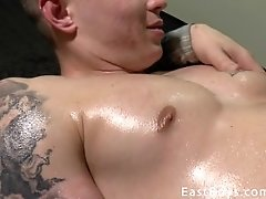 Exclusive - Muscle Worship and Handjob