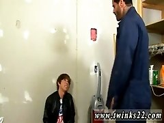 Twinks gay orgy emo Kyler Moss sneaks into the janitor&#039_s room for a