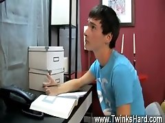 Hot twink scene Good grades are important to Noah Carlisle and he&#039_s